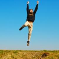 משנכנס אדר: האם אנשים אחרים מאושרים יותר?